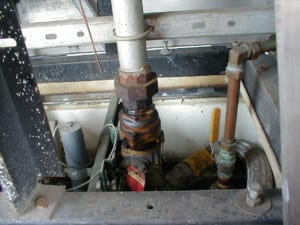 causes of underground storage tank leaks